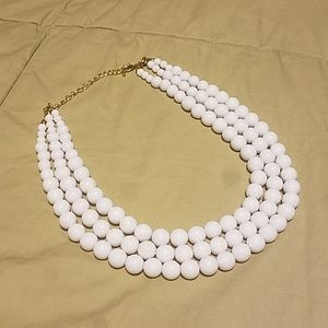 Jewelry - NWOT Cute White 3-strand Necklace